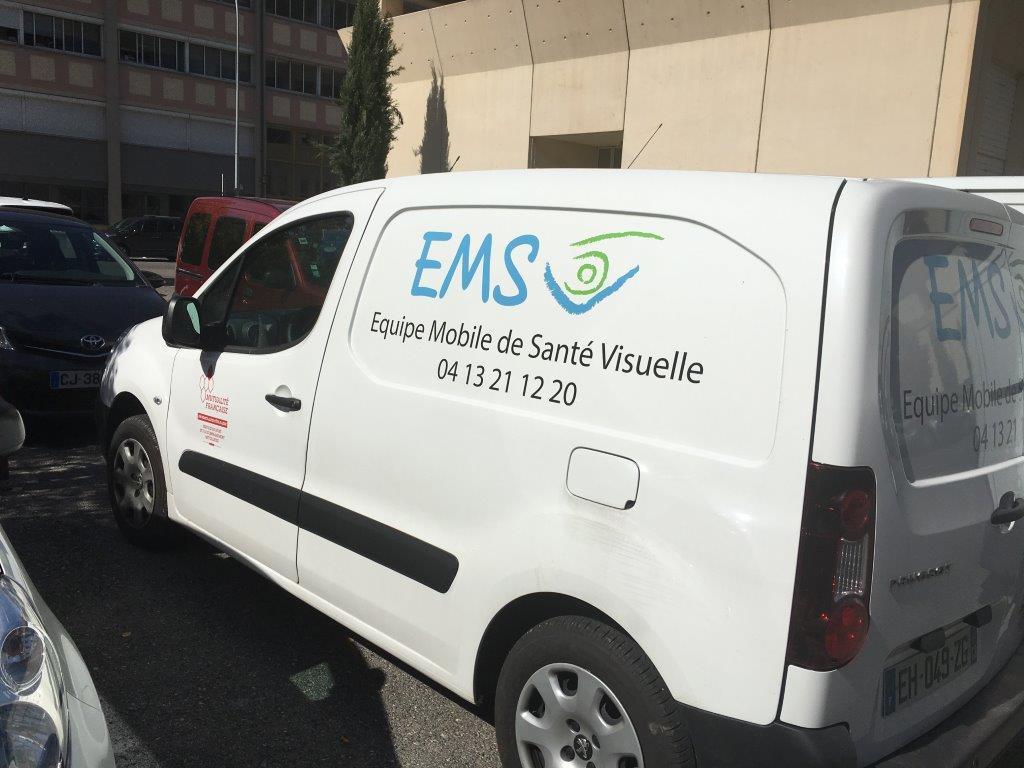 Equipe mobile de santé visuelle